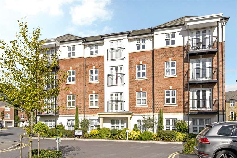 2 Bedrooms Flat for sale in Heaton Court, 12 Colnhurst Road, Watford, Hertfordshire, WD17