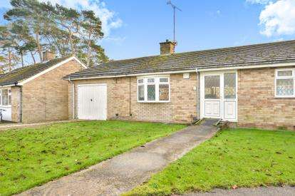 3 Bedrooms Bungalow for sale in The Chequers, Castlethorpe, Milton Keynes, Buckinghamshire