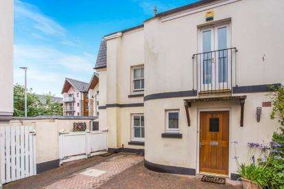 4 Bedrooms End Of Terrace House for sale in Barrack Street, Plymouth, Devon