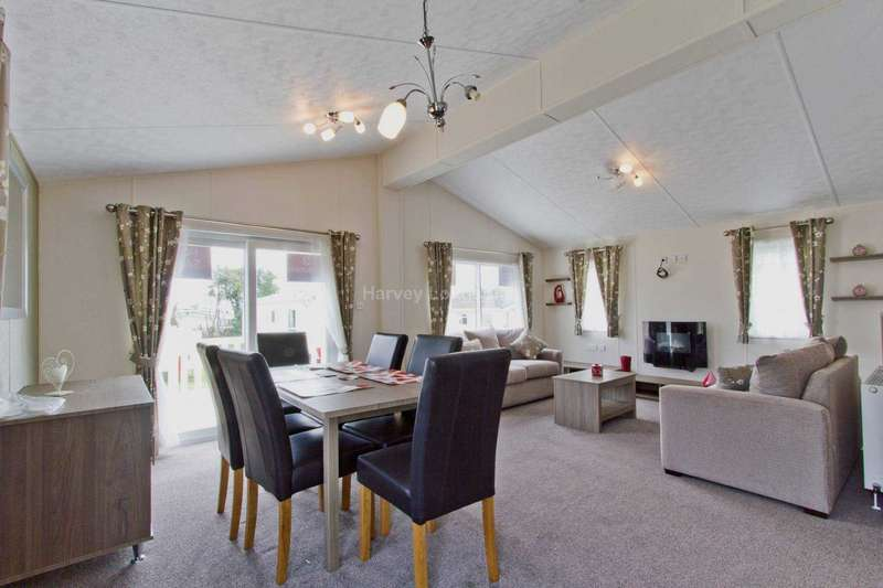 3 Bedrooms Lodge Character Property for sale in Warsash, Southampton, Hampshire