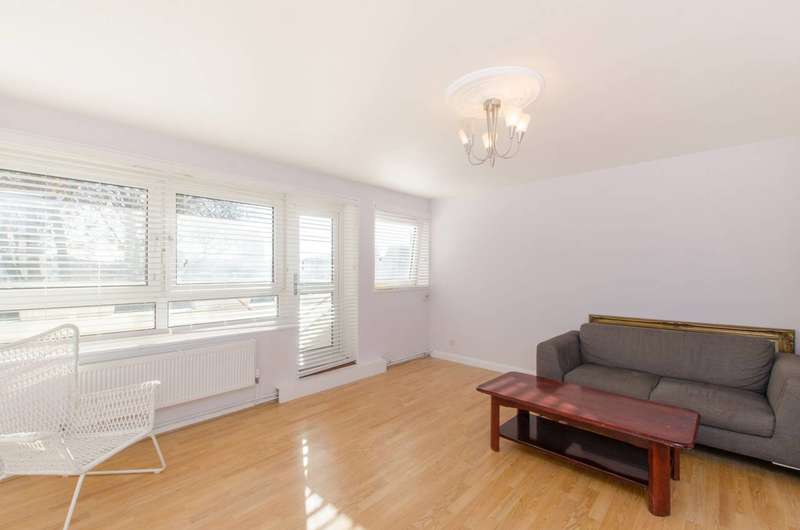 3 Bedrooms Flat for sale in Lismore Circus, Kentish Town, NW5