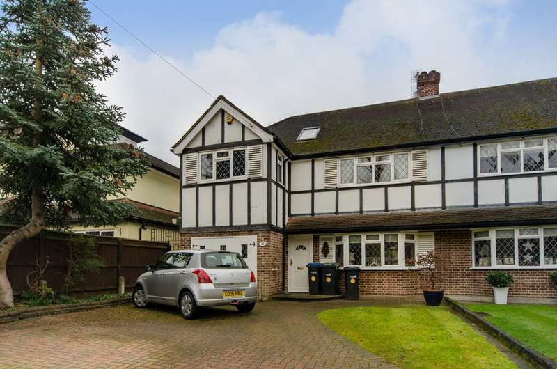 4 Bedrooms House for sale in Dryden Road, Enfield, EN1