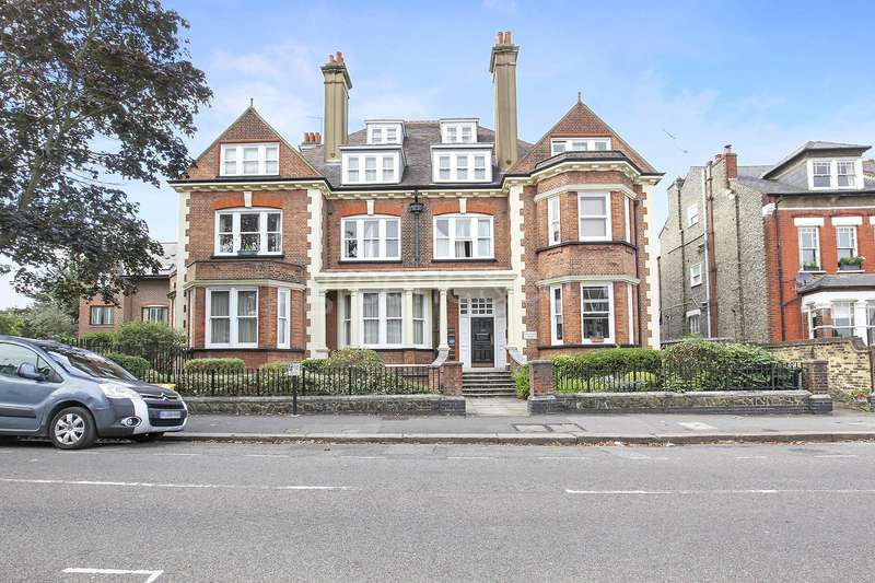 2 Bedrooms Flat for sale in Hillfield Avenue, Crouch End, London, N8