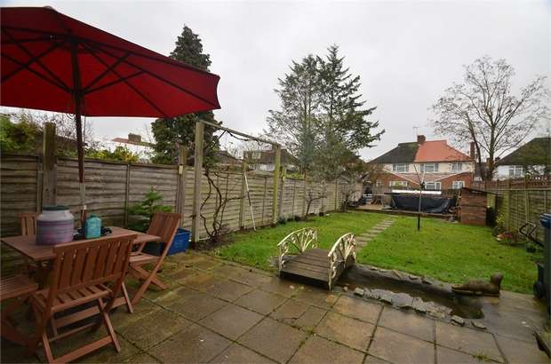 3 Bedrooms Terraced House for sale in Brookfield Crescent, Mill Hill