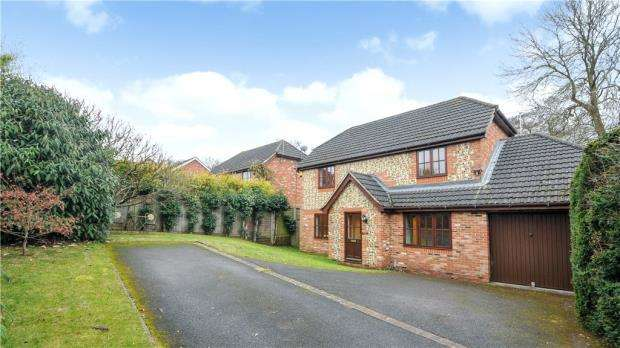 4 Bedrooms Detached House for sale in Westmorland Drive, Warfield