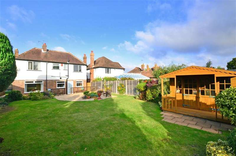 4 Bedrooms Detached House for sale in Pear Tree Lane, Loose, Maidstone, Kent