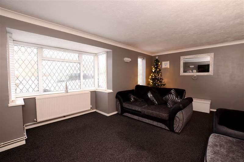 4 Bedrooms Detached House for sale in Kirby Drive, Telscombe Cliffs, Peacehaven, East Sussex