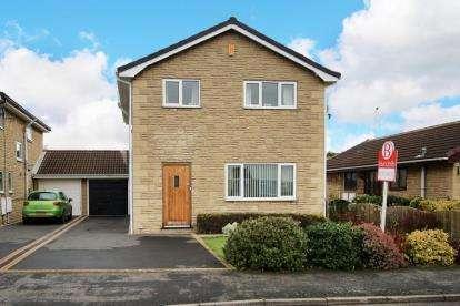 4 Bedrooms Detached House for sale in St. Georges Avenue, Dunsville, Doncaster
