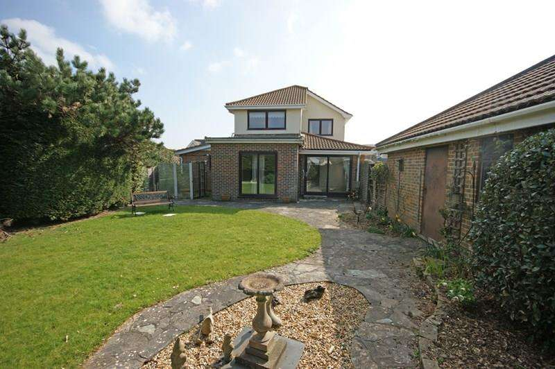 4 Bedrooms Detached House for sale in Westminster Road, Milford On Sea, Lymington