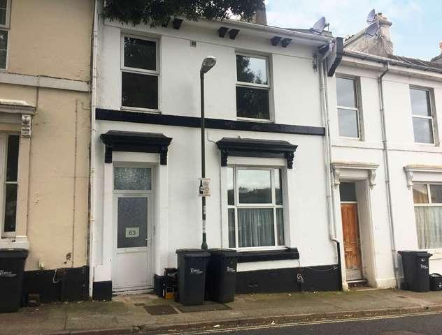 2 Bedrooms Ground Flat for sale in Warren Road, Torquay