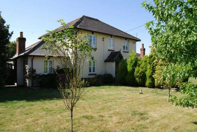 4 Bedrooms Detached House for sale in Sopley