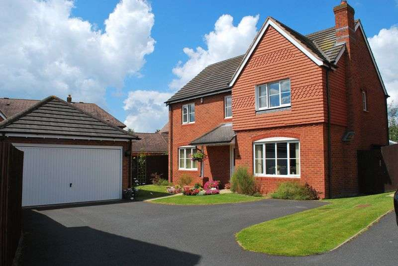 4 Bedrooms Detached House for sale in Lytham Green, Telford