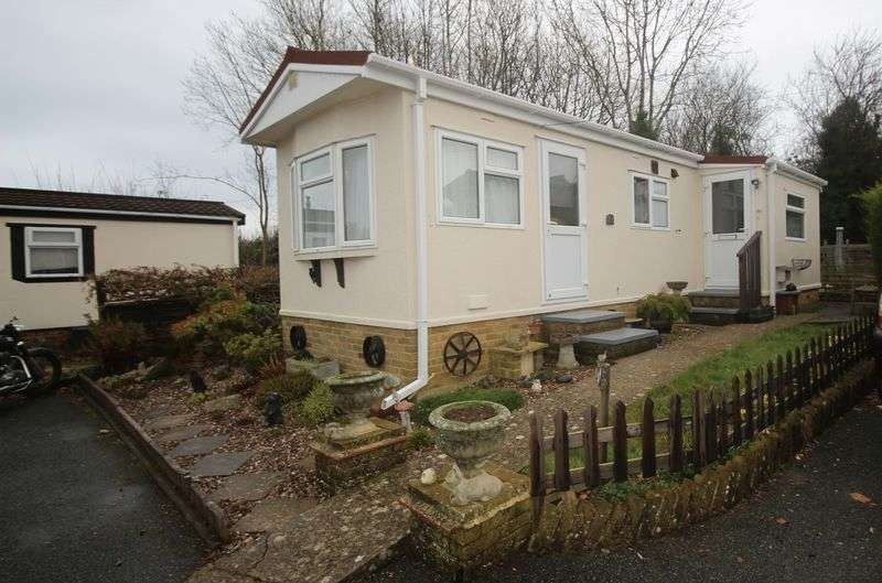 1 Bedroom Bungalow for sale in Boxhill