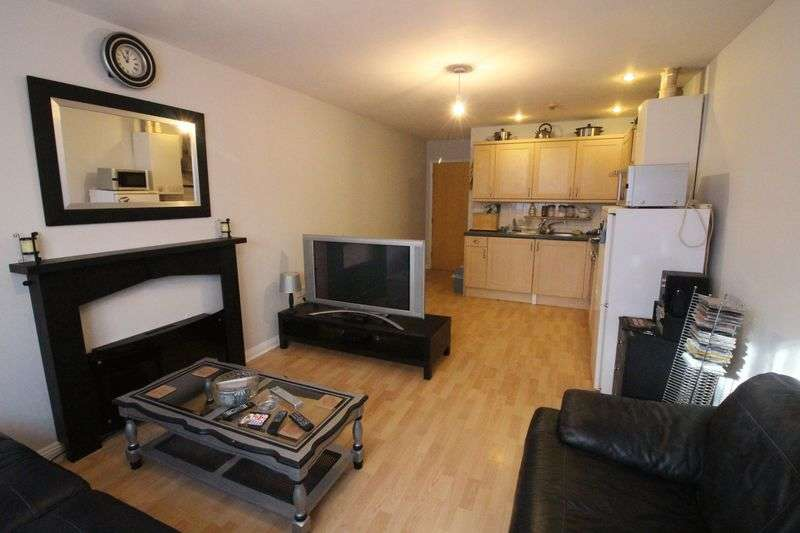 2 Bedrooms Flat for sale in Groud Floor Flat Elm Grove, Southsea