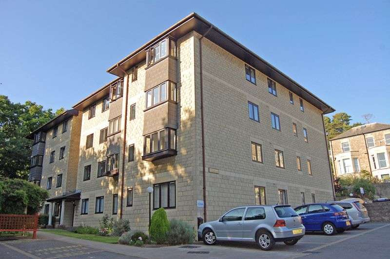 2 Bedrooms Flat for sale in Gardens Road, Clevedon