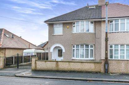 4 Bedrooms Semi Detached House for sale in Norwood Drive, Morecambe, Lancashire, United Kingdom, LA4