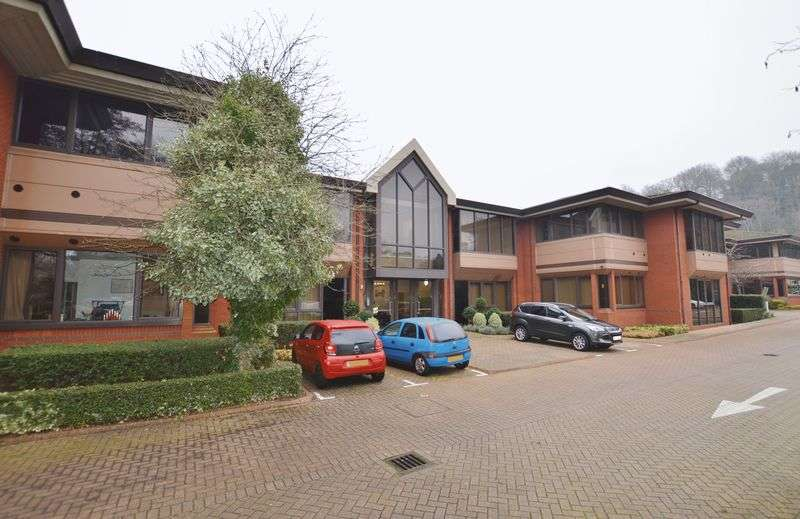 2 Bedrooms Flat for sale in Catteshall Lane, Godalming