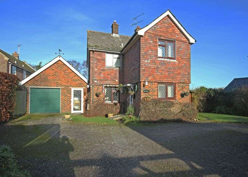 3 Bedrooms Detached House for sale in Bickton