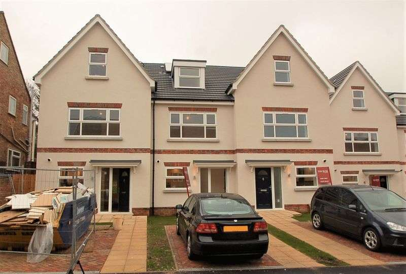 4 Bedrooms Semi Detached House for sale in Queens Road, High Wycombe