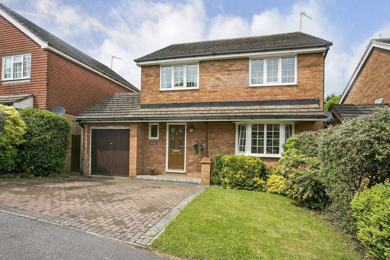 4 Bedrooms Detached House for sale in Eridge Drive, Crowborough