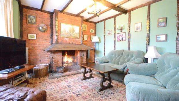 4 Bedrooms Semi Detached House for sale in Holly Villas, Popeswood Road, Binfield