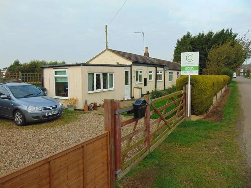 2 Bedrooms Semi Detached Bungalow for sale in Hall Road, Walpole Highway, Wisbech, Cambs, PE14 7QD