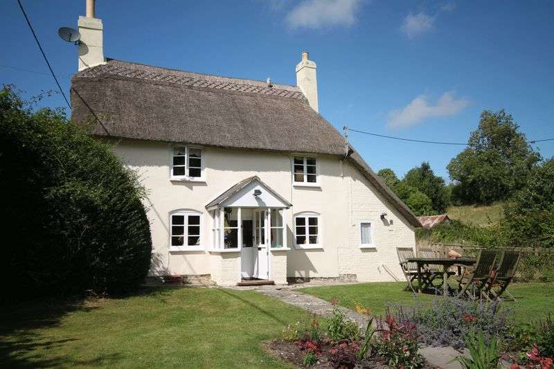 2 Bedrooms Cottage House for sale in Cheselbourne, Dorchester, DT2