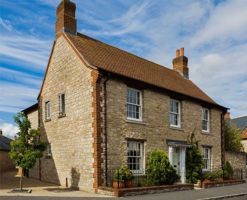 4 Bedrooms Detached House for sale in Mere