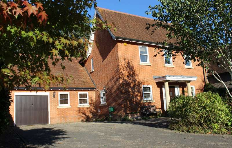 3 Bedrooms Detached House for sale in Hazel Grove, Kingwood, Henley-On-Thames, RG9