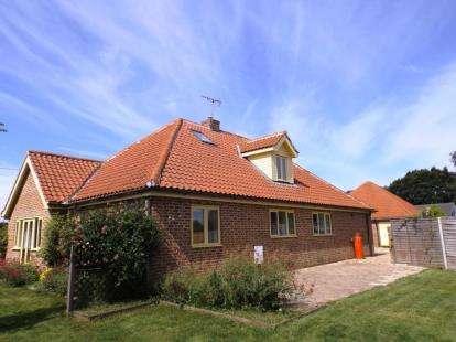 4 Bedrooms Bungalow for sale in Horningtoft, Dereham, Norfolk