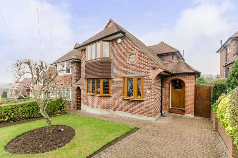 3 Bedrooms Detached House for sale in Christian Fields, Norbury, SW16