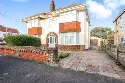 3 Bedrooms Semi Detached House for sale in Conway Ave, Thornton Cleveleys, Lancashire, England, FY5