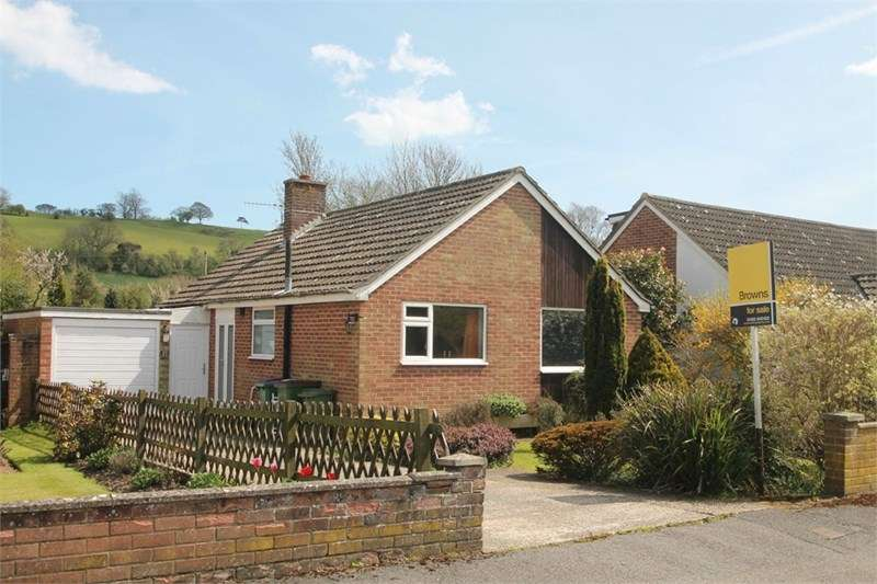 2 Bedrooms Detached Bungalow for sale in Elham