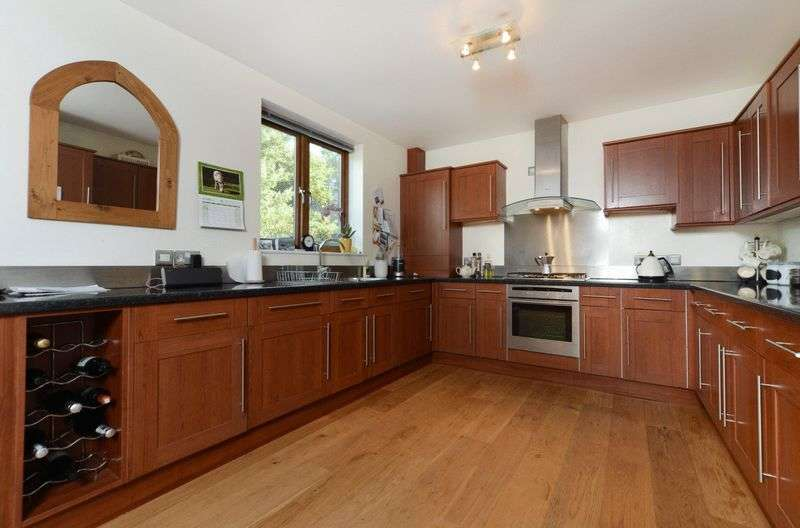 5 Bedrooms Detached House for sale in Parkstone Heights, Poole