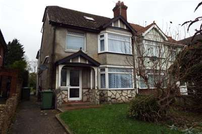 6 Bedrooms Semi Detached House for rent in High Road, Swaythling