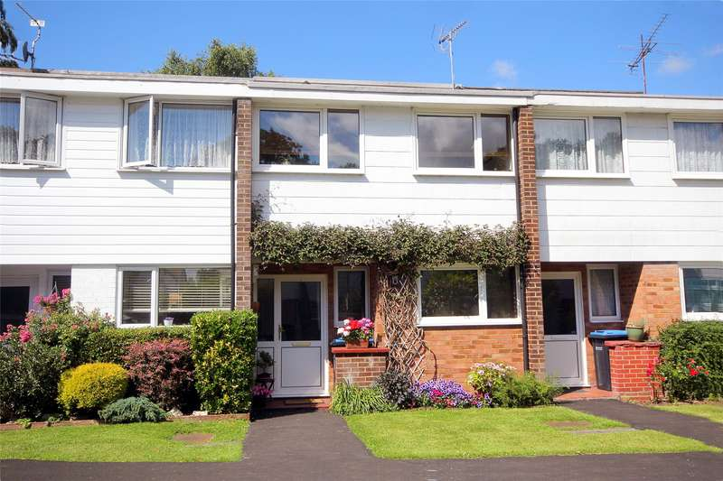 3 Bedrooms Terraced House for sale in Church Close, Addlestone, Surrey, KT15