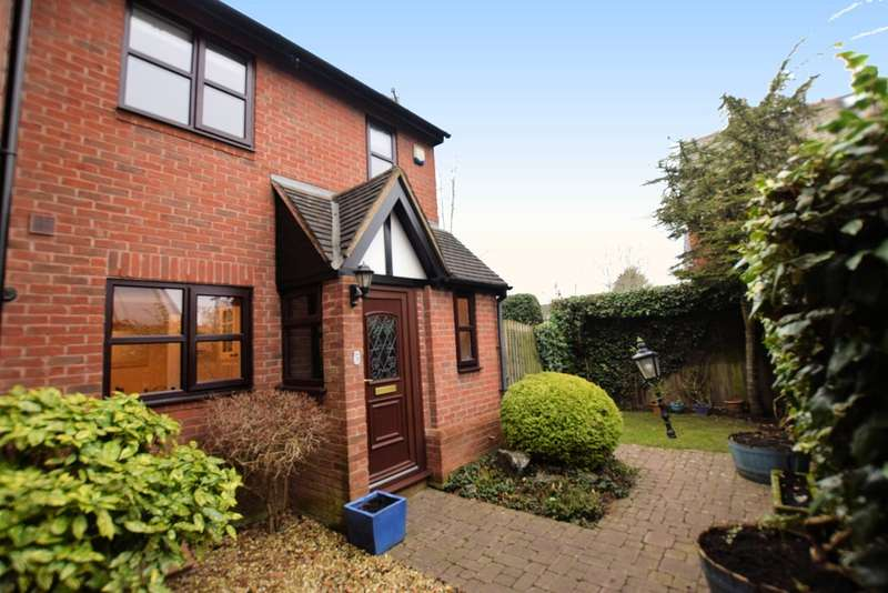 3 Bedrooms End Of Terrace House for sale in Portmanteau Mews, Hockley Heath
