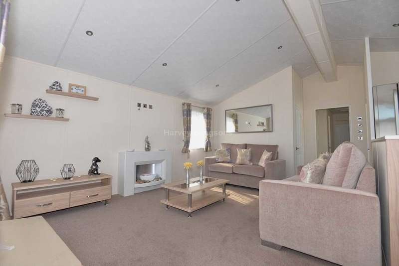 3 Bedrooms Lodge Character Property for sale in Swalecliffe, Kent