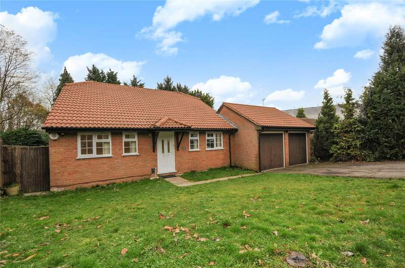 3 Bedrooms Bungalow for sale in Parkfield, Chorleywood, Hertfordshire, WD3