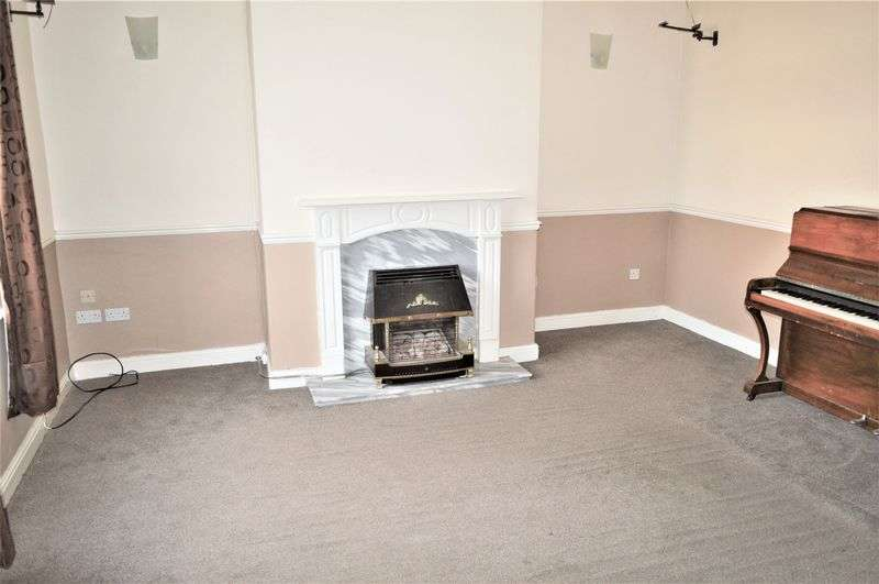 2 Bedrooms Terraced House for sale in Croft Square, Rochdale