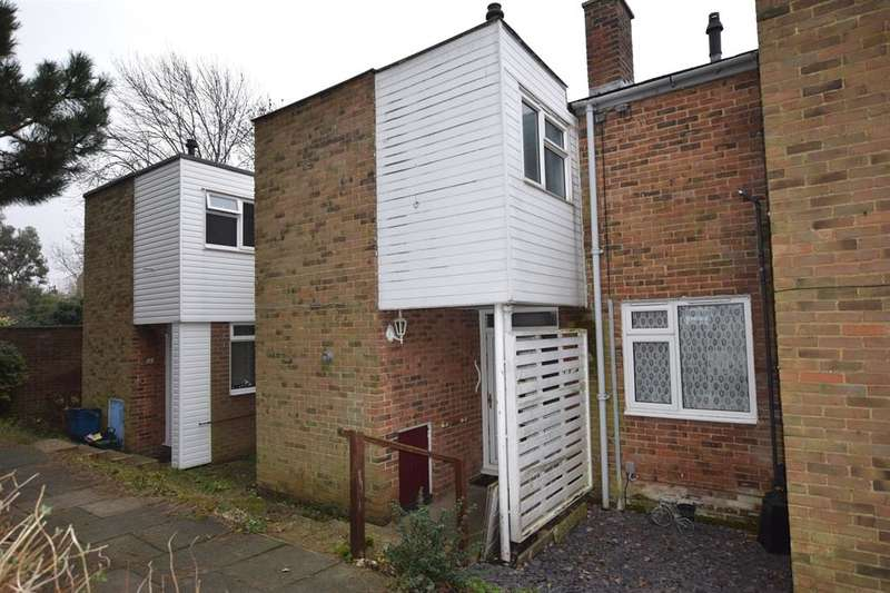 2 Bedrooms Terraced House for sale in Altham Grove, Harlow, CM20