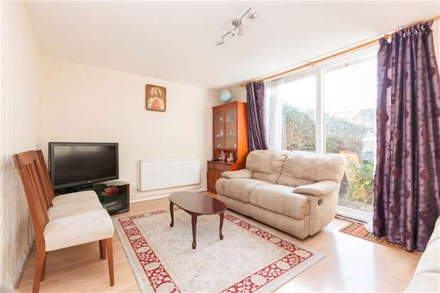 3 Bedrooms Terraced House for sale in Dallas Road, Sydenham