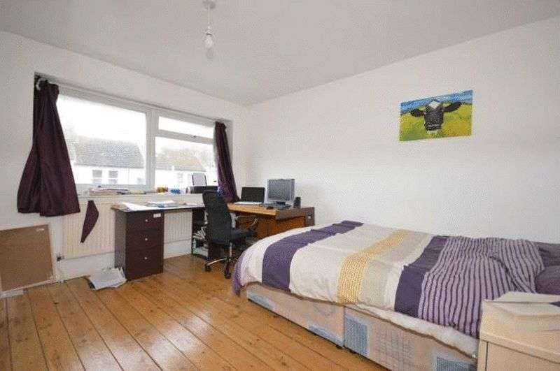 5 Bedrooms House for rent in Warleigh Road, Brighton