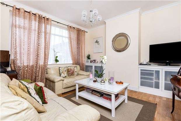 3 Bedrooms Terraced House for sale in Churchmore Road, LONDON, SW16