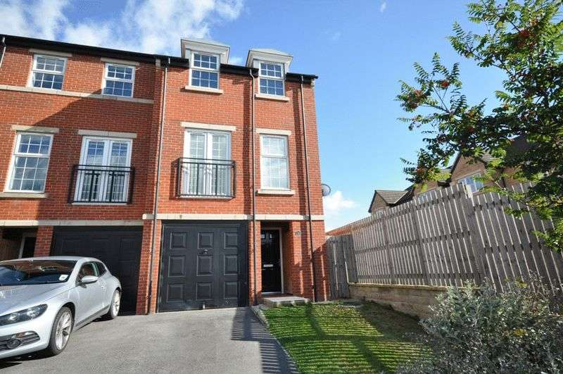 3 Bedrooms Semi Detached House for sale in Wheatley Drive, Woolley Grange