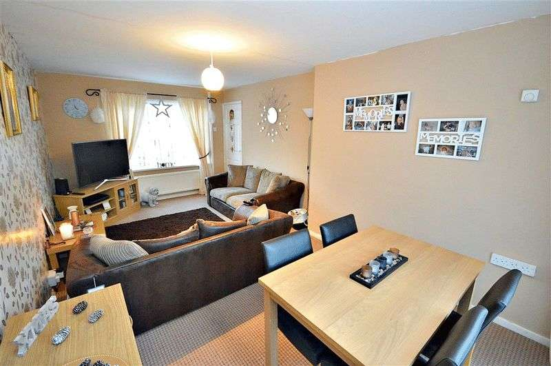 3 Bedrooms Terraced House for sale in Bryncelyn Road, Cwmbran