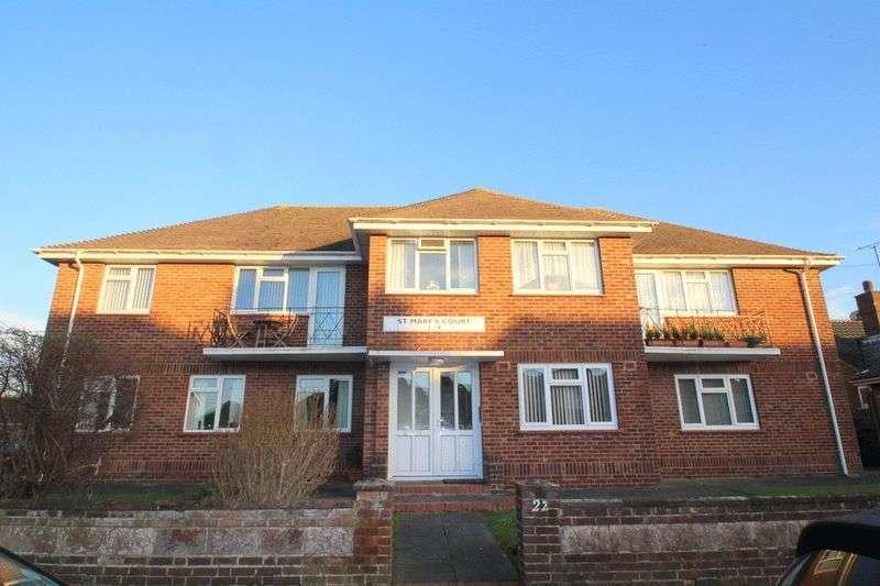 2 Bedrooms Flat for sale in St. Marys Close, Littlehampton