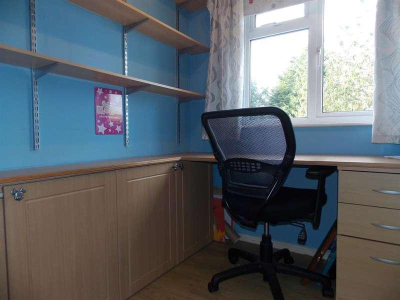 3 Bedrooms Semi Detached House for sale in Rodney Close, Billingham, TS23 1QJ