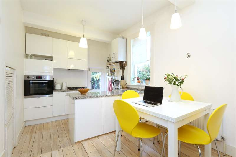 2 Bedrooms Flat for sale in Manchester Road, London