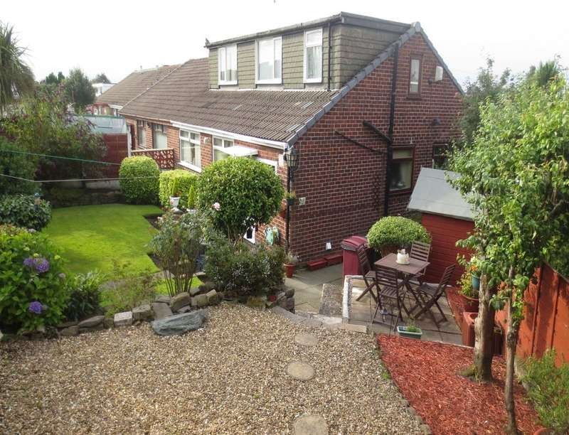 3 Bedrooms Semi Detached Bungalow for sale in Wentworth Avenue, Farnworth, Bolton, BL4
